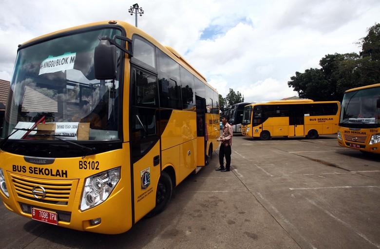 Bus Sekolah. Foto: Rachman Haryanto