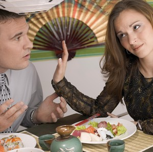 Ketika Kekasih Harus Menikah dengan Wanita Pilihan Keluarga