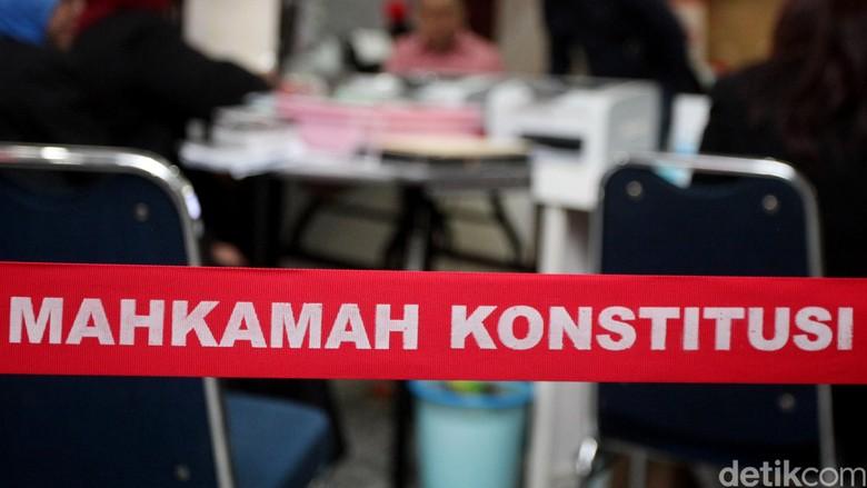 Hakim Cecar Saksi di MK: Pemantau Demokrat Kok Mau Jadi Saksi PPP?