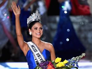 Miss Universe 2015, Dulu Ngefans Siwon Suju Kini Dikencani Dokter Seksi