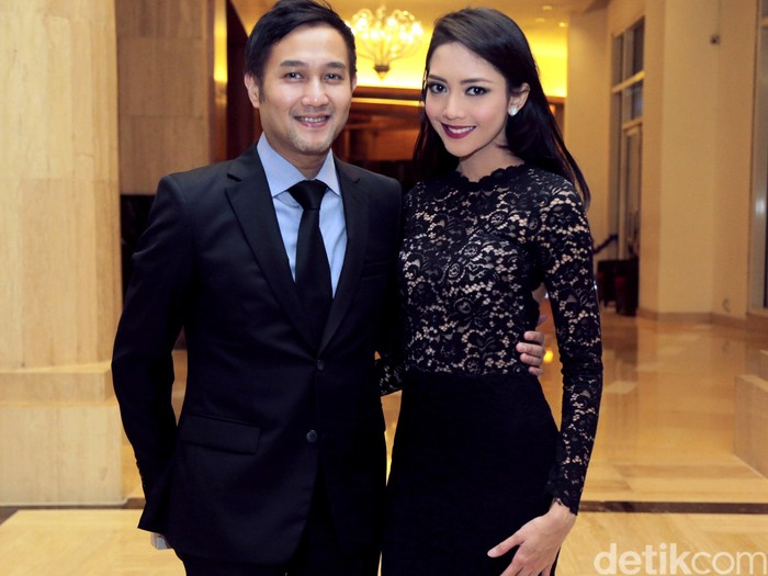 Aldi Bragi dan Ririn Dwi Ariyanti saat ditemui di resepsi pernikahan Nabila Syakieb.