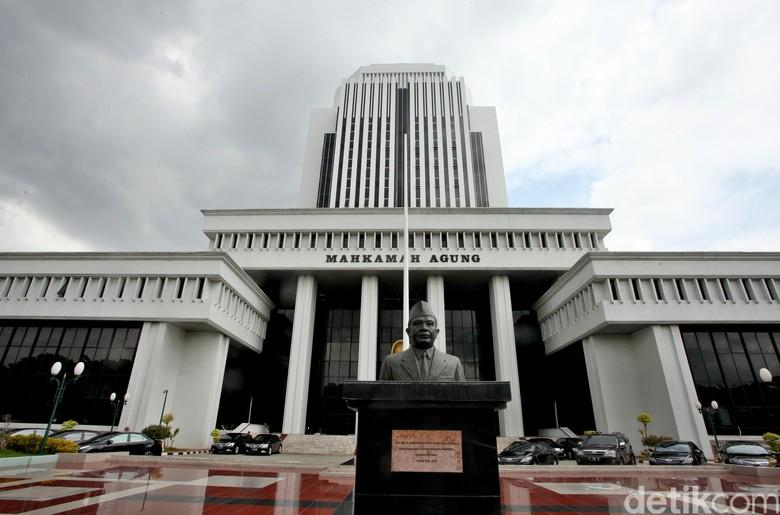 Hakim Lasito Tersangka KPK Diberhentikan Sementara