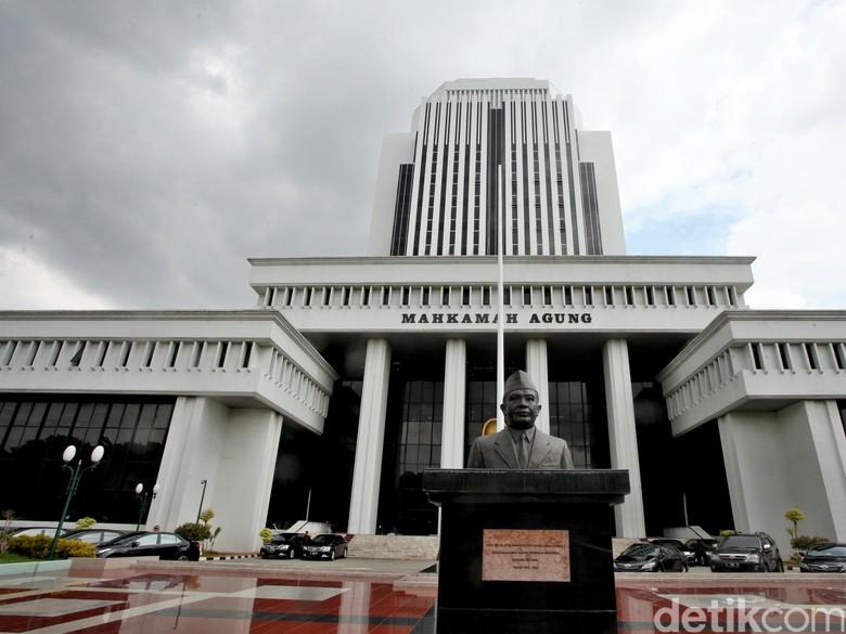 Anulir Vonis Rp 366 M Pembakar Hutan, Hakim PN Dilaporkan ke KPK