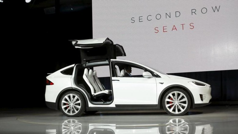 Mobil listrik Tesla Model X Foto: Reuters/Stephen Lam