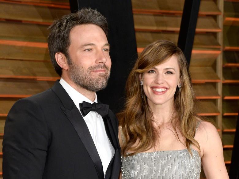 Ben Affleck dan Jennifer Garner Kini Resmi Cerai secara Hukum