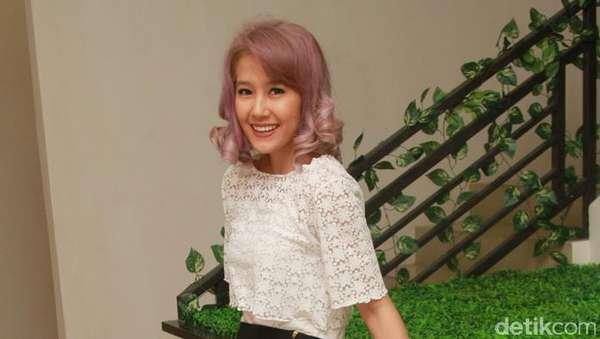 Pink Hair Dont Care! Rambut Ardina Rasti Seperti Gulali