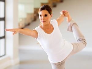 Aksi Wanita yang Yoga Bergelantungan di Balkon, Berakhir Jatuh dari Lantai 6