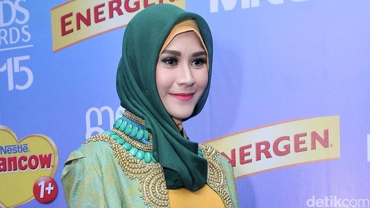 Like Mother Like Daughter, Zaskia Mecca dan Sybil