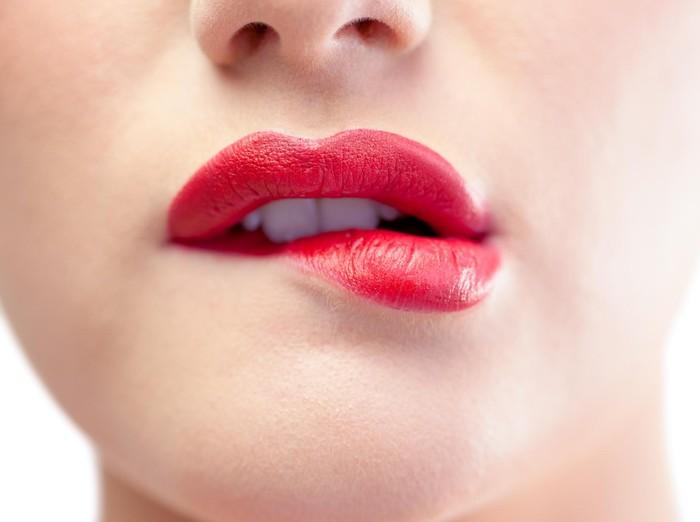14 Cara Memerahkan Bibir Secara Alami Dan Mudah