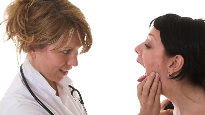 Kondisi kesehatan bisa diamati dari lidah (Foto: Thinkstock)