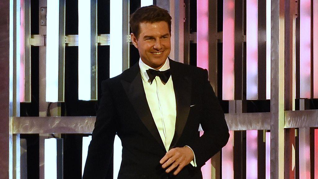 Tom Cruise Kembalikan Piala Golden Globe, Ada Apa?