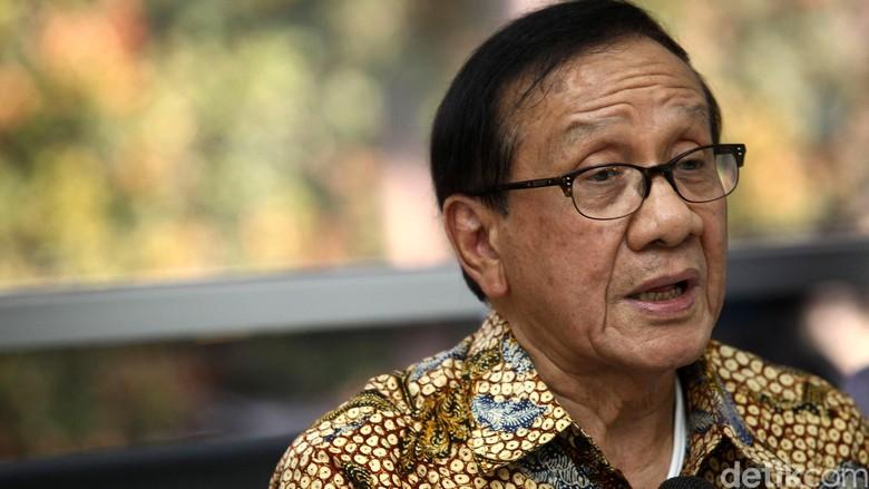 Kasus Meme Novanto, Akbar Tandjung: Penyampaian Pendapat Itu Wajar