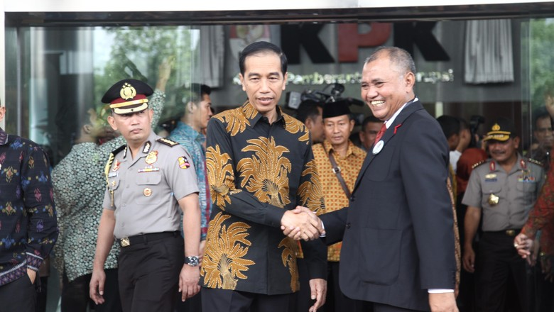 Ott Kpk Hari Ini Di Surabaya Detail: Dukung KPK, Jokowi: Prestasi KPK Memang Di OTT