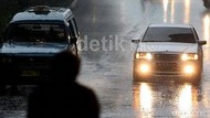 Hujan Mengguyur, Ini yang Harus Dilakukan Pemotor