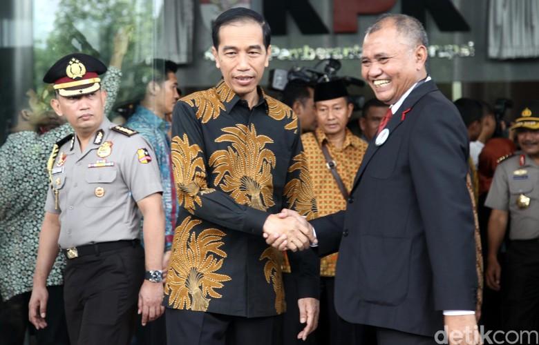 Kembalikan Mandat, Pimpinan KPK Tetap Kerja Sambil Tunggu Penyelamatan Jokowi