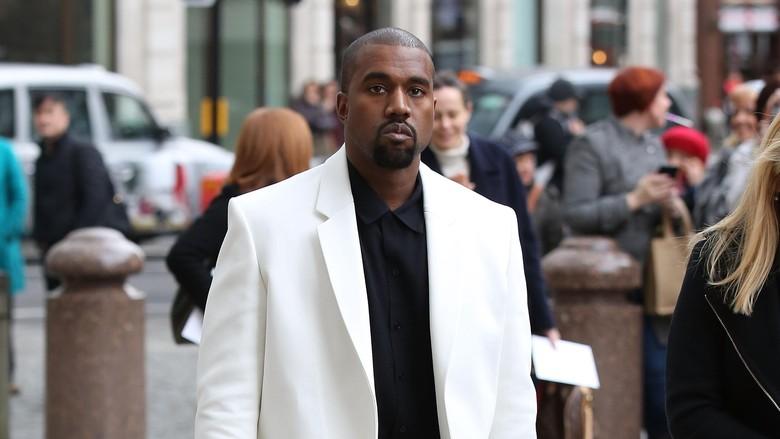 Kanye West Ungkit Kematian Sang Ibu Lewat Sampul Album?