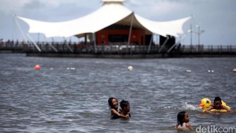 Pantai Ancol, Wisata Air Seru di Utara Jakarta Foto: Rachman Haryanto