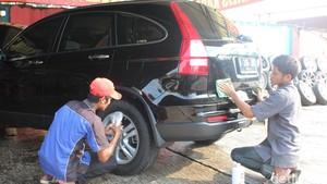 5 Hal yang Harus Diperhatikan Saat Cuci Mobil Agar Nggak Lecet