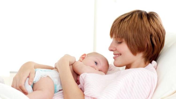 Normalkah Bila Bayi Hobi Ngempeng Puting?