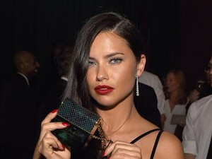 Tips Rambut Indah Ala Model Victorias Secret Adriana Lima