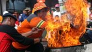 Bocah Sukabumi Luka Bakar Usai Terperosok ke Kobaran Api Saat Bersepeda