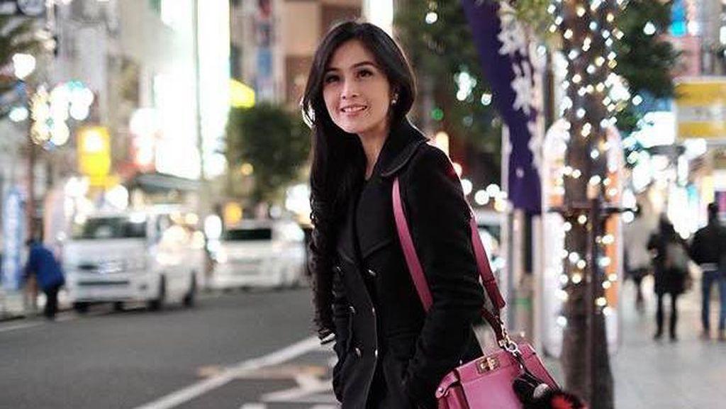 Cerita Sandra Dewi soal Toleransi Beragama di Rumahnya