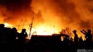 Kebakaran Permukiman di Duri Utara Tambora, 974 Jiwa Terdampak