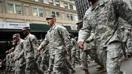 Hoes Hoin, Skandal Foto Bugil Tentara AS yang Kembali Tersebar