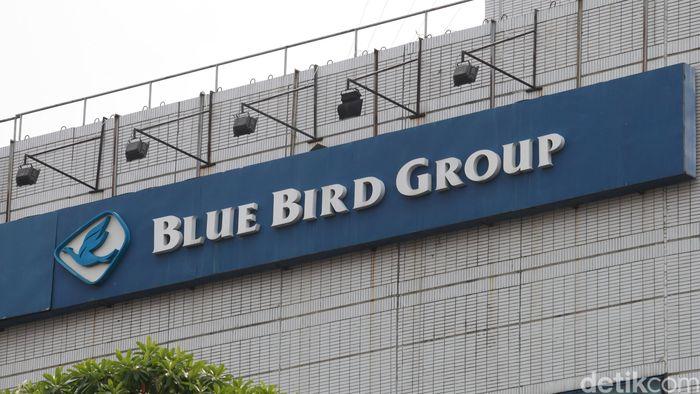 Blue Bird/Foto: Ari Saputra