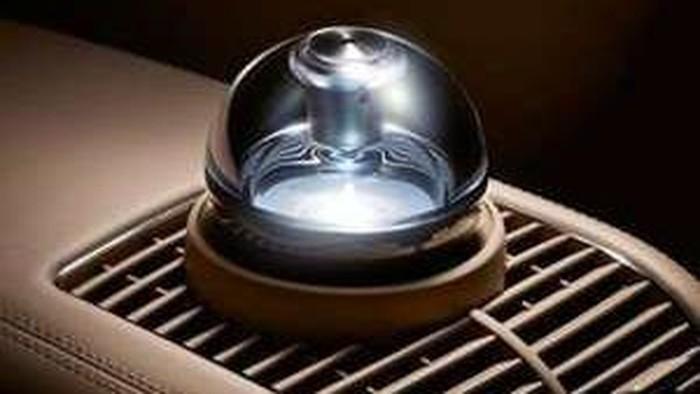 Peranti pendingin udara (AC) mobil memiliki fungsi dan peranan yang sangat penting dalam menciptakan kenyamanan berkendara, oleh karena itu perlu perhatian dan kemauan untuk meerawatnya.