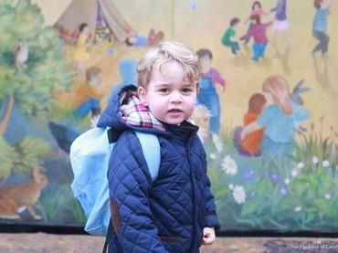 Momen saat awal-awal Pangeran George masuk ke Westcare Montessori School. (Foto: Kate Middleton)