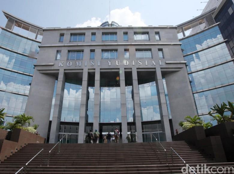 Lobi Perkara, Waka Pengadilan Tinggi Surabaya Diskors 6 Bulan