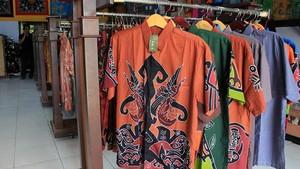 Cerita di Balik Indahnya Batik Papua