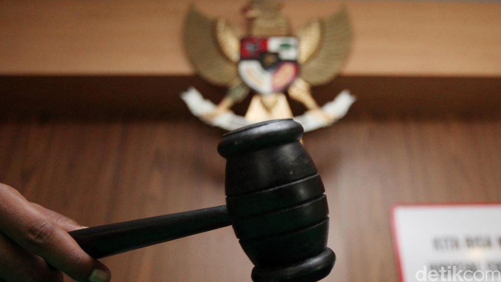 Ulah Terlalu Pria Aceh Pukul Kepala Hakim dengan Palu