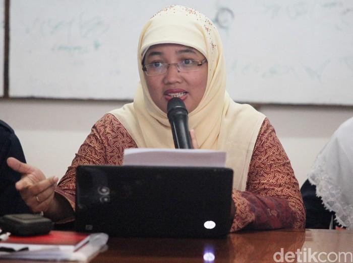 Sekjen FSGI Retno Listyarti, bekas Kepala Sekolah SMA 3 yang dipecat Kadisdik DKI Jakarta lalu melawan di PTUN dan menang