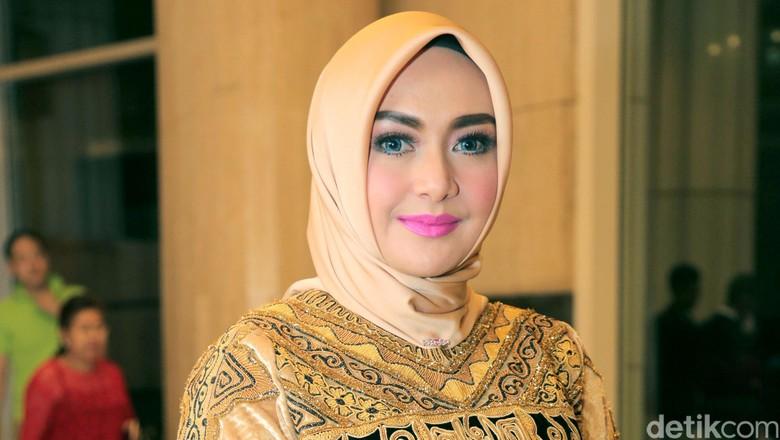 Eddies Adelia Sudah 2,5 Tahun Lebih Tak Seranjang dengan Suami