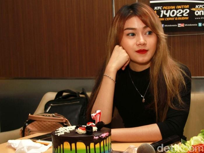 Dara saat ditemui di ulang tahun ketujuh The Virgin