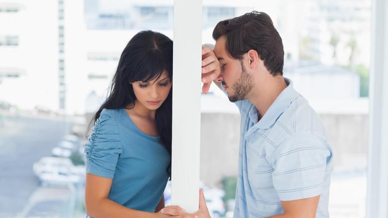 Enggan Bermesraan Sama Suami karena Kelelahan? Bunda Nggak Sendiri Kok/ Foto: thinkstock