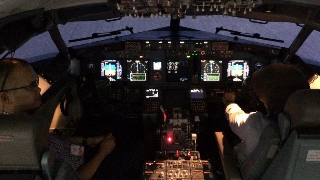 Selain Jual Gorengan, Maskapai Ini Sewakan Simulator Penerbangan Buat Cari Duit