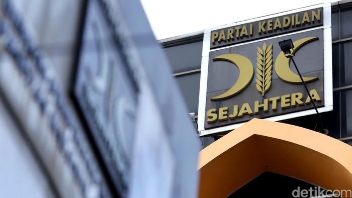 Logo PKS di Kantor DPP PKS, TB Simatupang