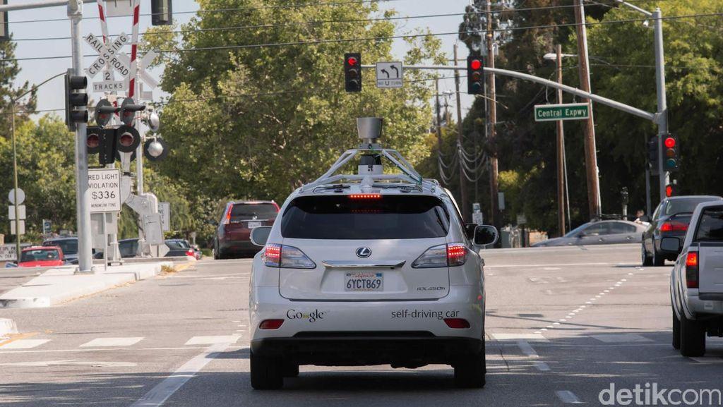 Begini Kronologi Kecelakaan Mobil Otonom Google dan Bus
