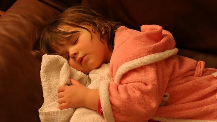 Tertidur dengan lampu menyala, mempercepat pubertas anak ini. Foto ilustrasi: thinkstock