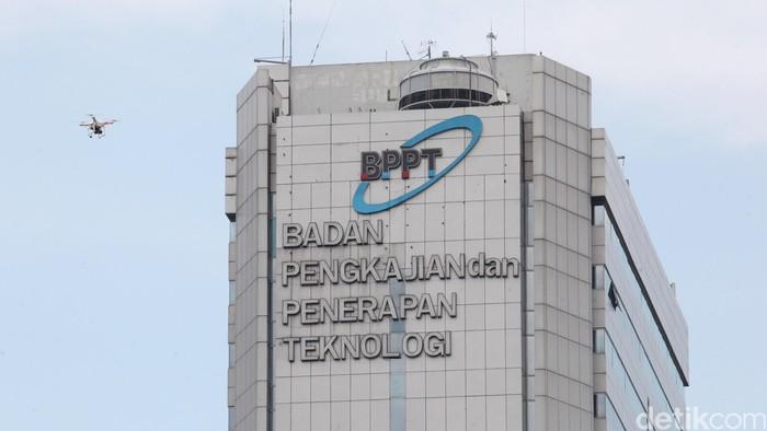 Pesawat drone meintas di di Gedung BPPT, Jl Thamrin