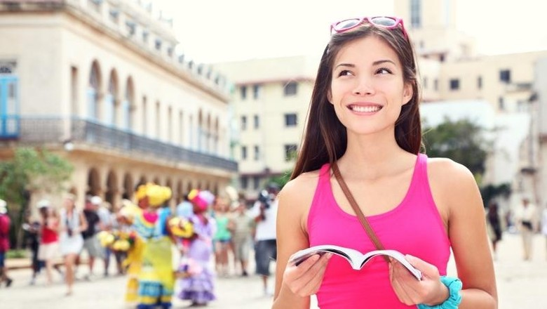 ilustrasi wisatawan