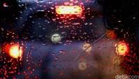Waspada Potensi Hujan di Jakarta pada Sore dan Malam Ini
