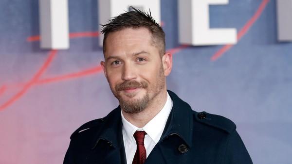 Selalu Ada Topeng di Balik Sukses Tom Hardy Sebagai Aktor