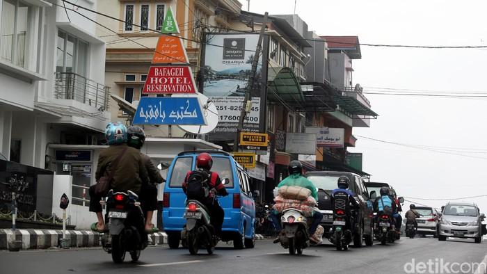 Turis dari Timur Tengah menjadikan kawasan Puncak, Bogor sebagai tujuan faforit wisata mereka.