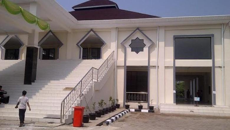 Resmikan Masjid di Rusun Marunda, Ahok Kecewa dengan Kualitas Bangunan