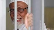 Abu Bakar Baasyir Kembali ke Lapas Gunung Sindur Usai Dirawat di RSCM