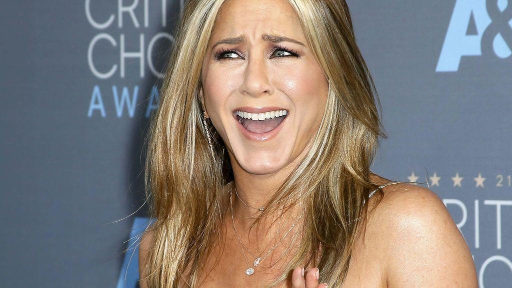 Curhat Jennifer Aniston yang Rambutnya Sulit Diatur dan Mulai Menipis